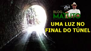UMA LUZ NO FINAL DO TÚNEL